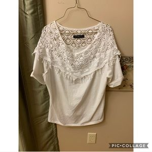 White lace tee 🦋